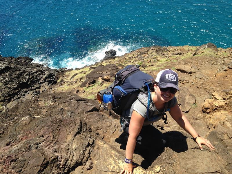 24 Spine-Tingling Pictures from Hawaii's Most Dangerous Hiking Trail-019