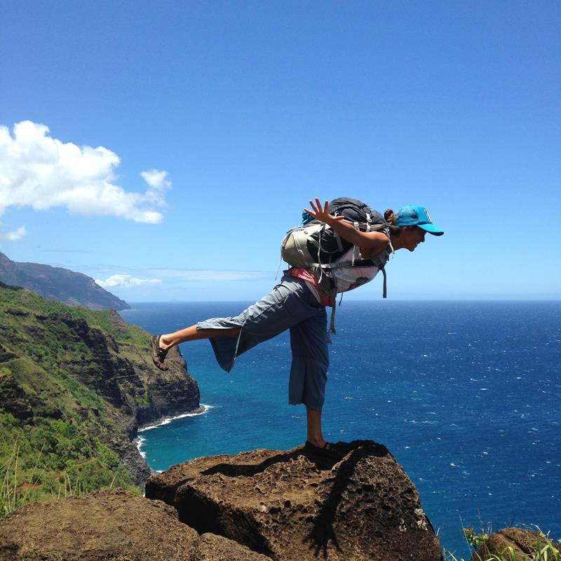 24 Spine-Tingling Pictures from Hawaii's Most Dangerous Hiking Trail-020