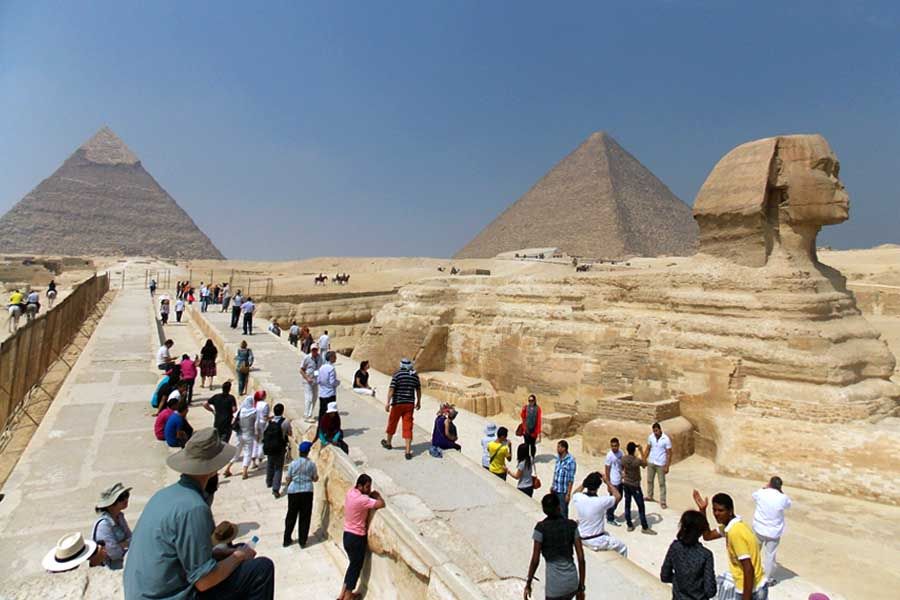30 Most Disappointing Travel Destinations on Earth-020_pyramids
