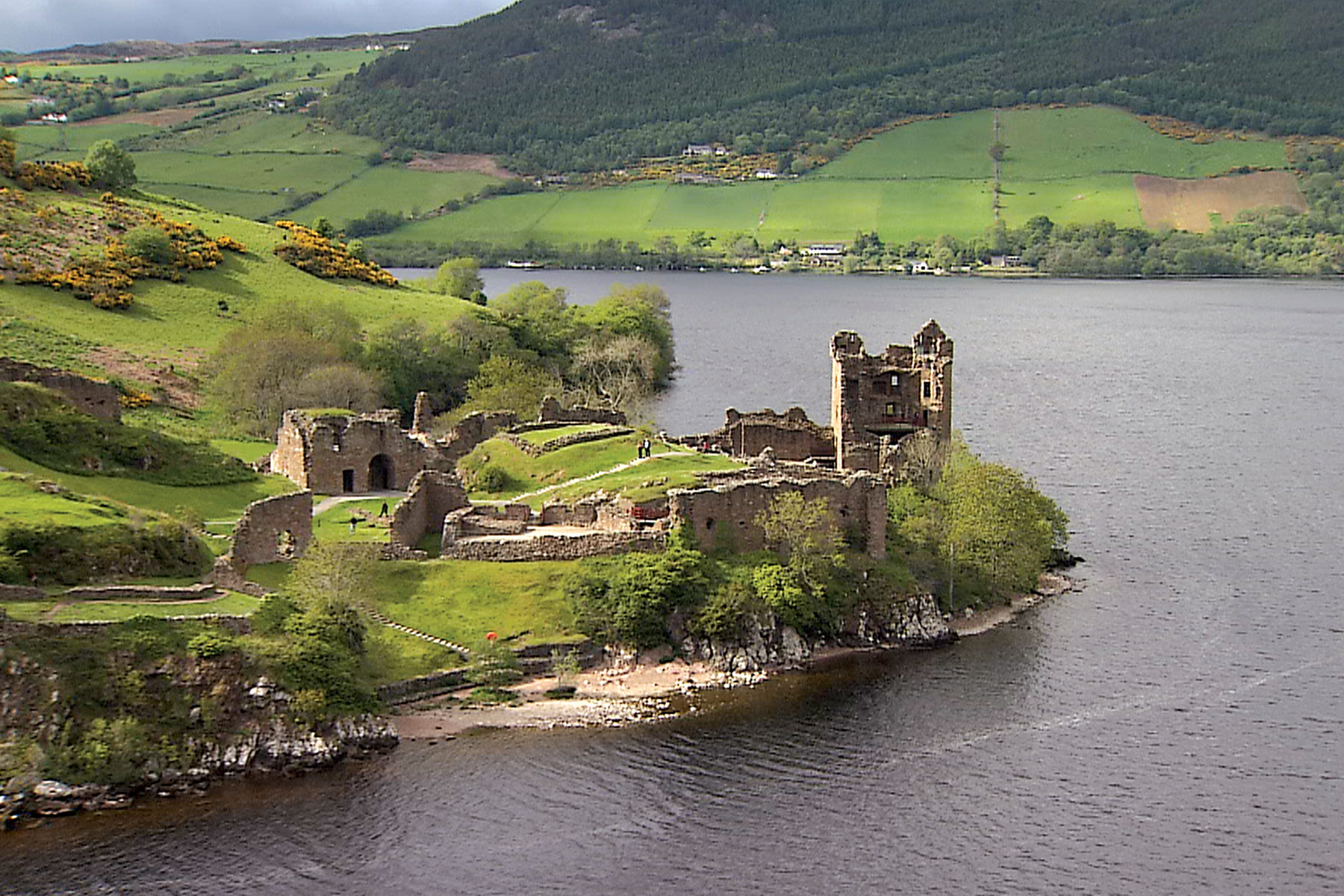 30 Most Disappointing Travel Destinations on Earth-021_Loch-Ness-Lake
