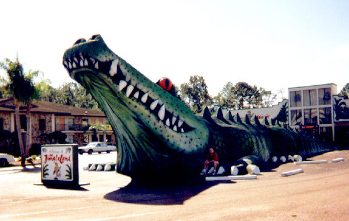 30 Most Disappointing Travel Destinations on Earth-026_worlds_biggest_alligator-jpg