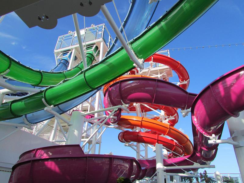 30 Pictures of Norwegian Getaway - 05