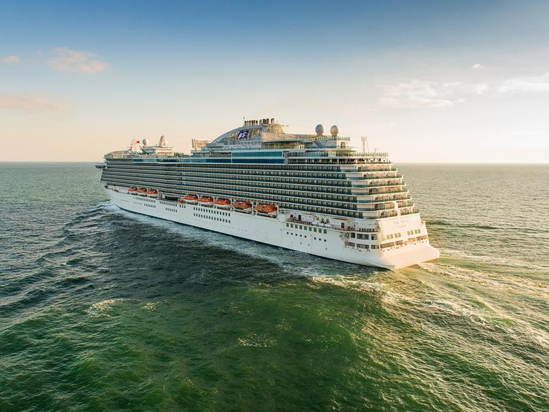 33 Stunning Pictures of Princess Cruises' Biggest and Best Ship-1