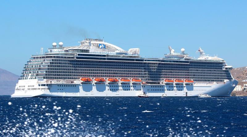 33 Stunning Pictures of Princess Cruises' Biggest and Best Ship-title