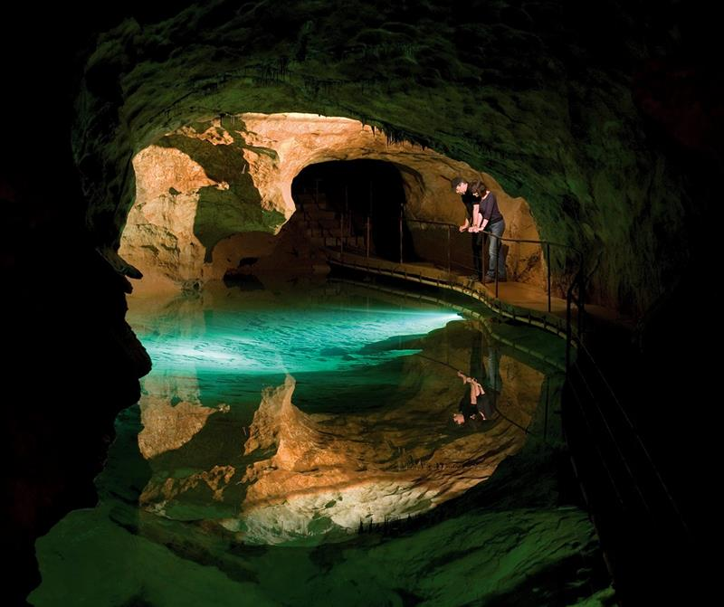 52 Breathtaking Caves From Around the World-35