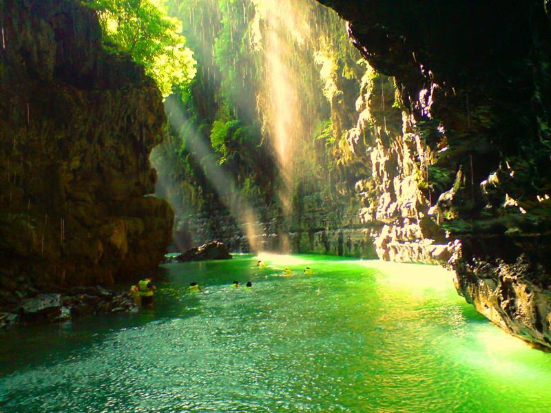 52 Breathtaking Caves From Around the World-44