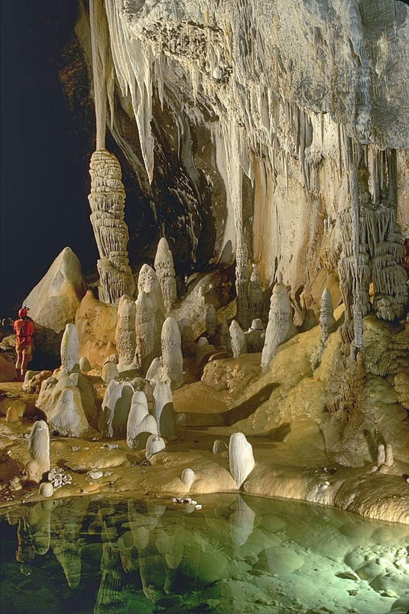 52 Breathtaking Caves From Around the World-Title
