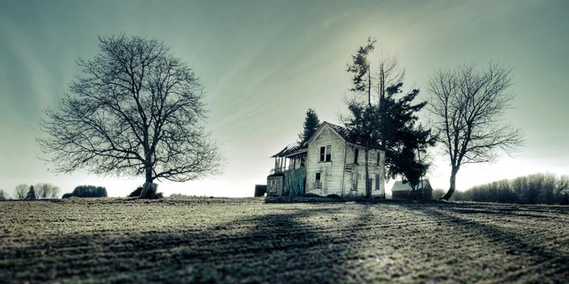 38 Real Haunted Houses - 00