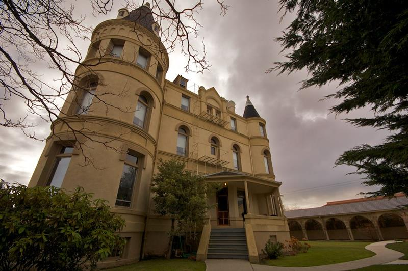 38 Real Haunted Houses - 13