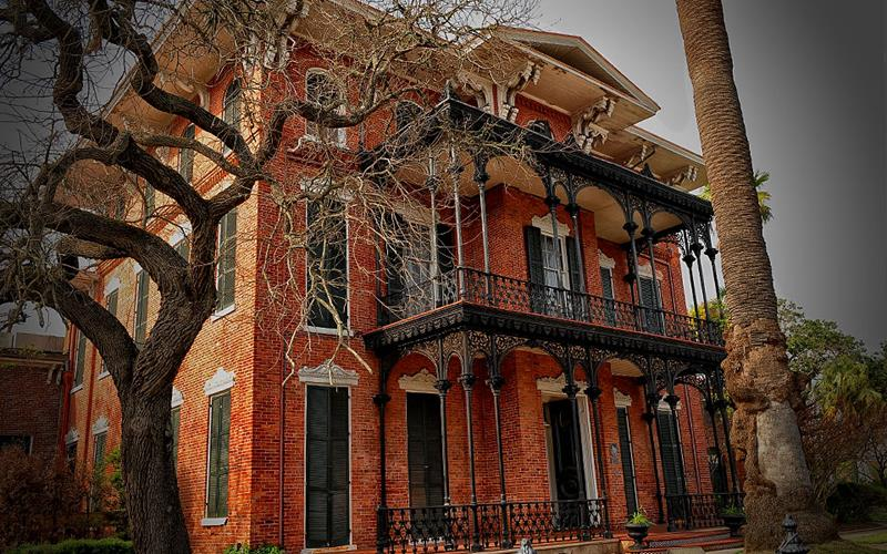 38 Real Haunted Houses - 29