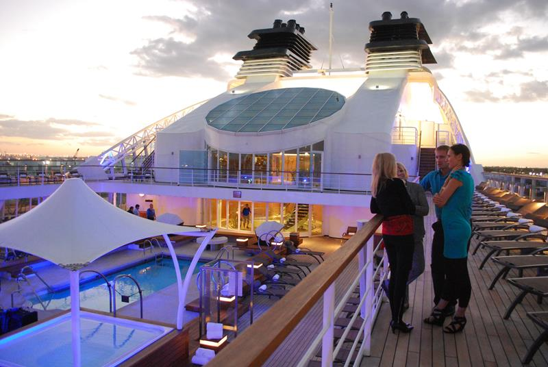 39 Amazing Pictures Proving You Should Consider Smaller Cruise Lines-24