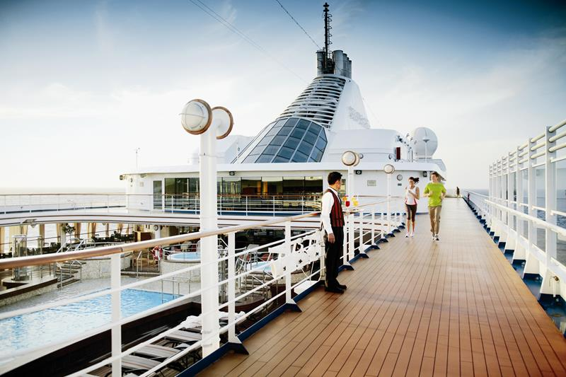 39 Amazing Pictures Proving You Should Consider Smaller Cruise Lines-27
