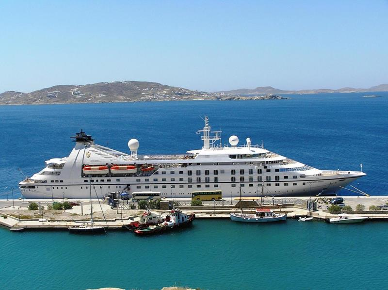 39 Amazing Pictures Proving You Should Consider Smaller Cruise Lines-31