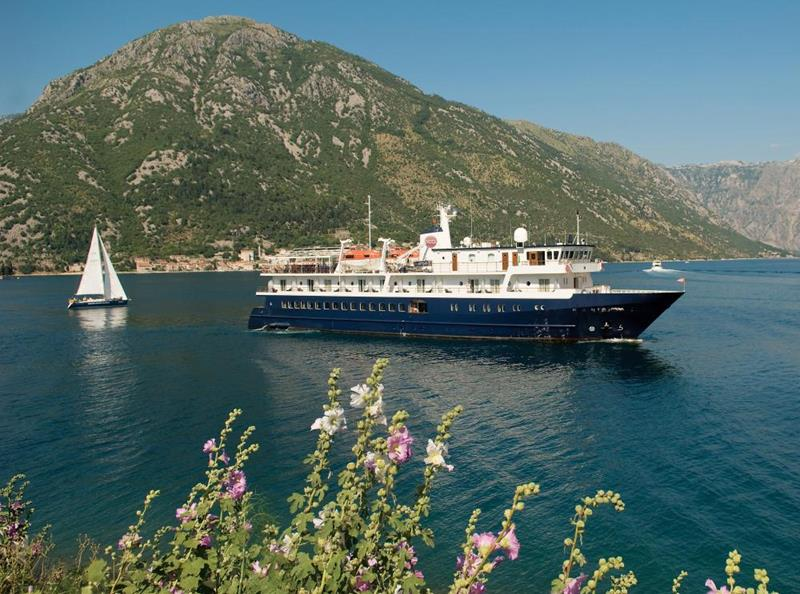 39 Amazing Pictures Proving You Should Consider Smaller Cruise Lines-34