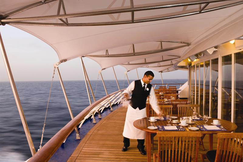 39 Amazing Pictures Proving You Should Consider Smaller Cruise Lines-8