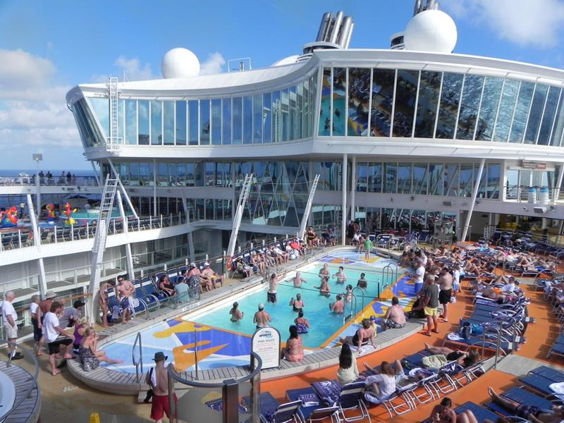 45 Stunning Photos from the Largest Cruise Ship Ever-10