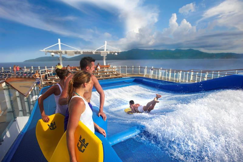 45 Stunning Photos from the Largest Cruise Ship Ever-13