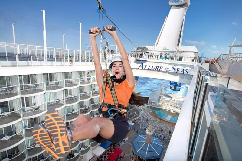 45 Stunning Photos from the Largest Cruise Ship Ever-17