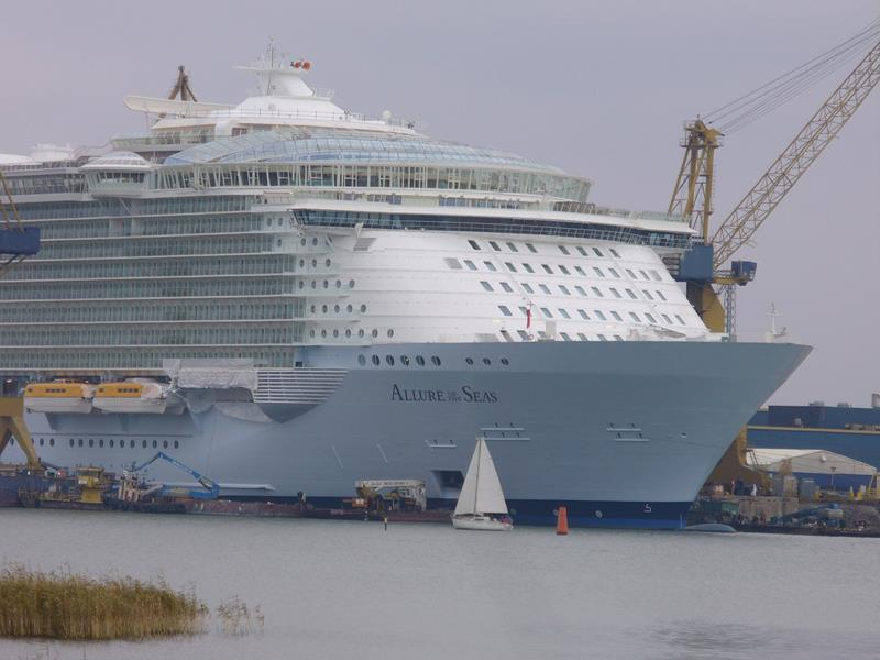 45 Stunning Photos from the Largest Cruise Ship Ever-2