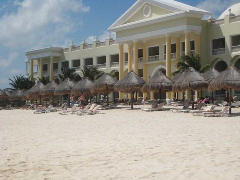 23 Stunning Pictures of the All Inclusive Resort Iberostar Grand Hotel Paraiso-17