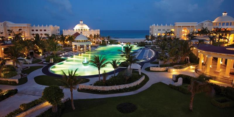 23 Stunning Pictures of the All Inclusive Resort Iberostar Grand Hotel Paraiso-23