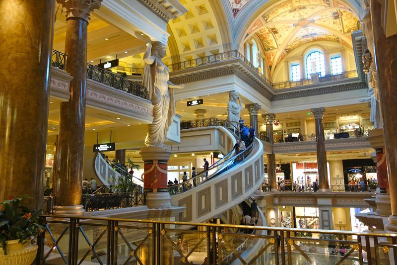 28 Stunning Photos from Caesars Palace in Las Vegas-9