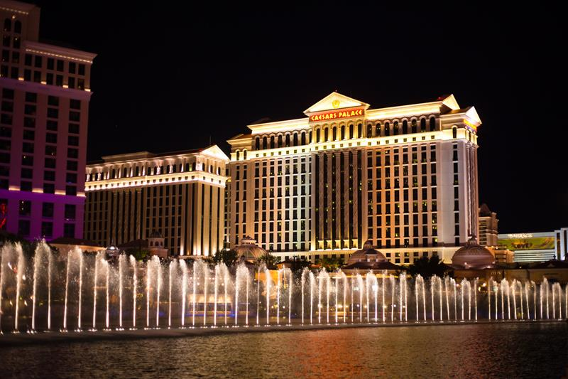28 Stunning Photos from Caesars Palace in Las Vegas-title