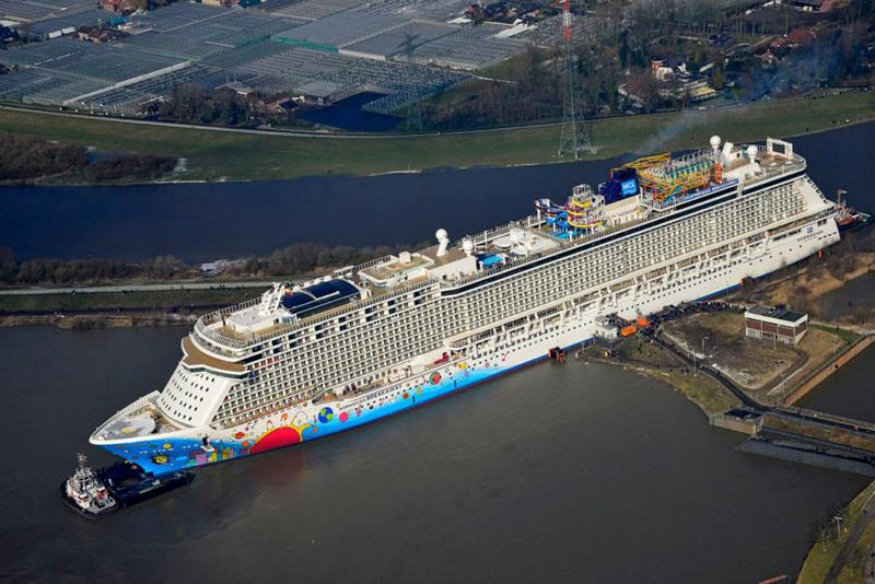30 Stunning Photos From the New Norwegian Breakaway-3