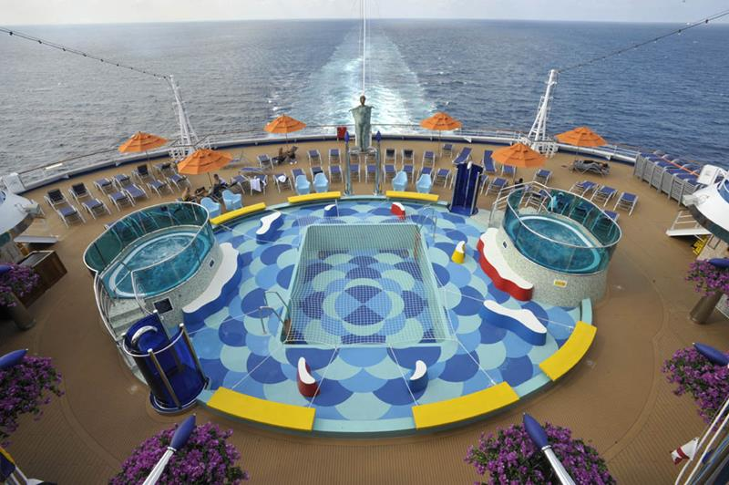 30 Stunning Pictures from the Carnival Dream-9