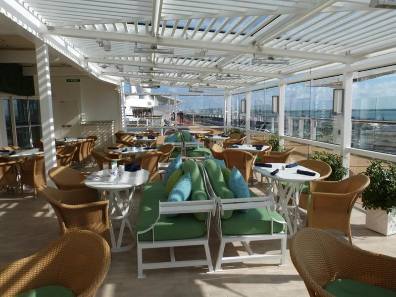 31 Stunning Pictures of the Celebrity Silhouette-20