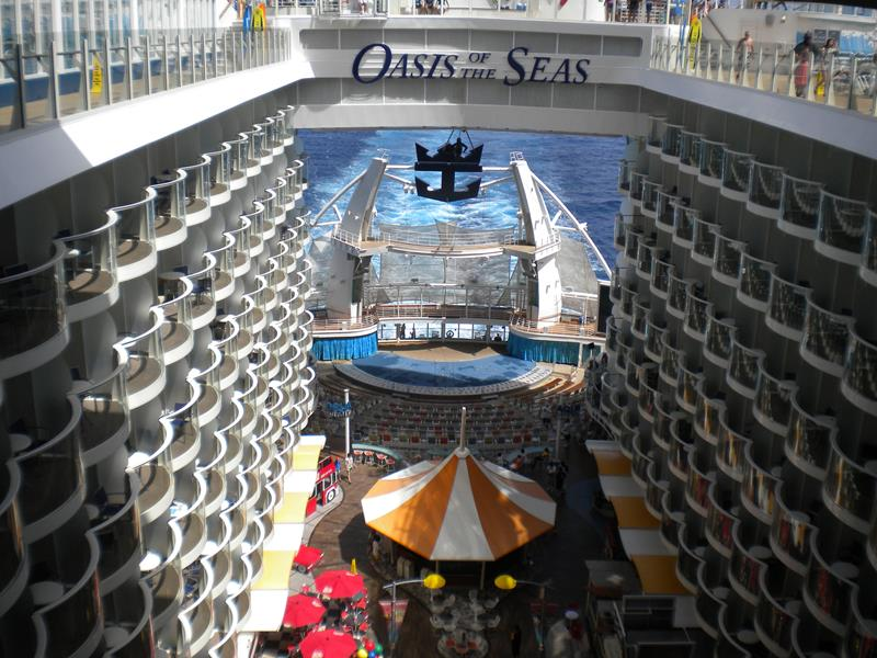 41 Breathtaking Pictures of the Royal Caribbean Oasis of the Seas-20