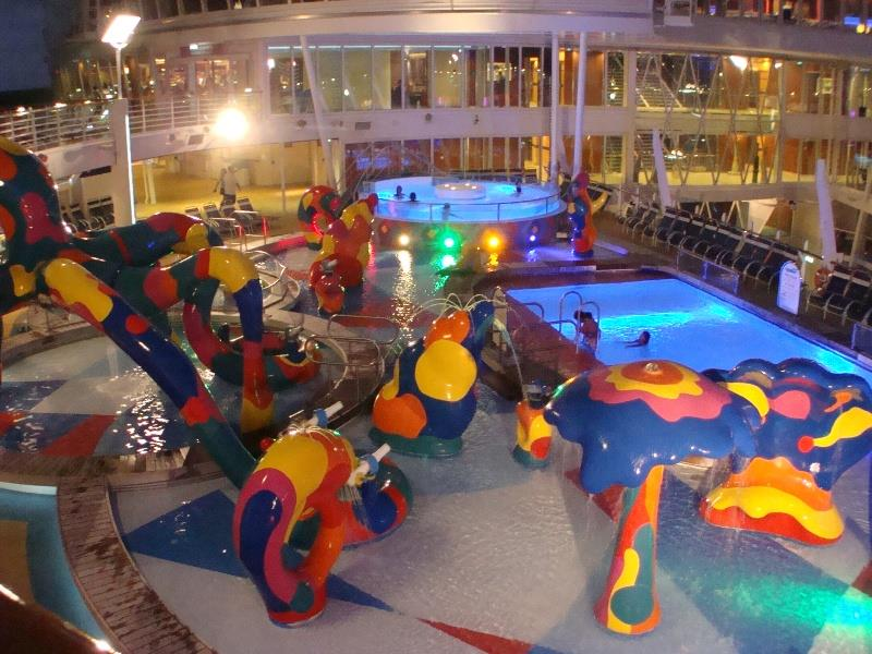 41 Breathtaking Pictures of the Royal Caribbean Oasis of the Seas-8
