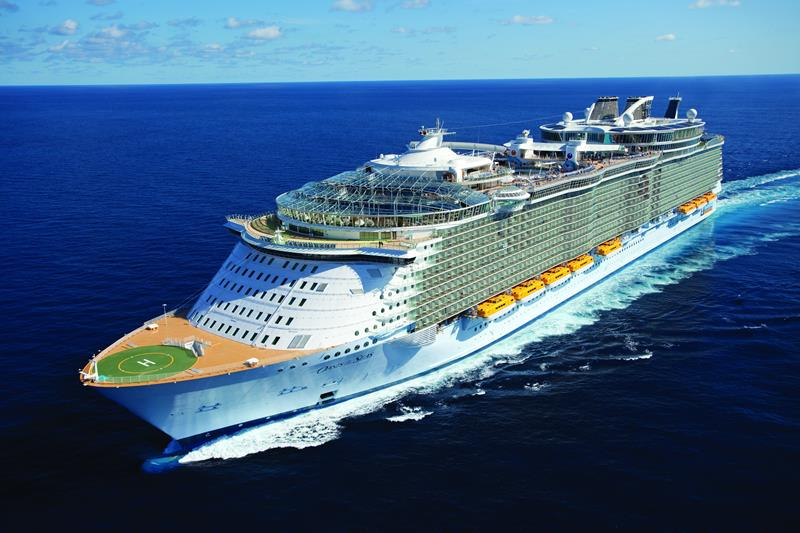 41 Breathtaking Pictures of the Royal Caribbean Oasis of the Seas-title