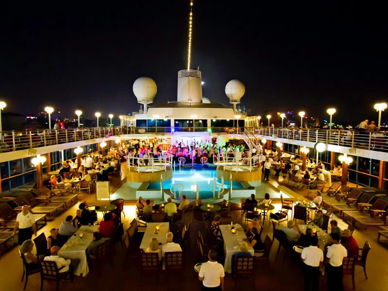 9 Small Ship Cruise Lines for People that Hate Crowds-6a