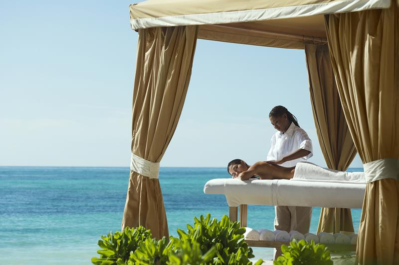 10 Reasons to Book a Vacation at Grand Lucayan-7
