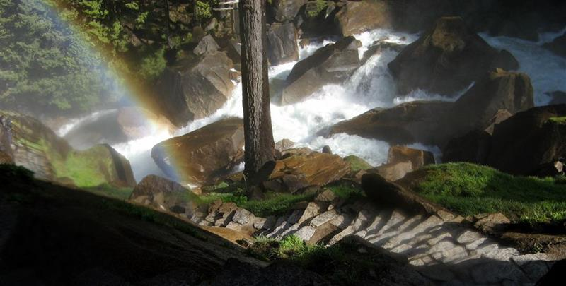 16 Jaw Dropping Pictures of the Mist Trail in Yosemite-4