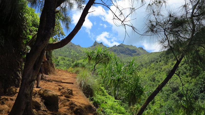 18 Breathtaking Pictures of the Kalalau Trail in Hawaii-11