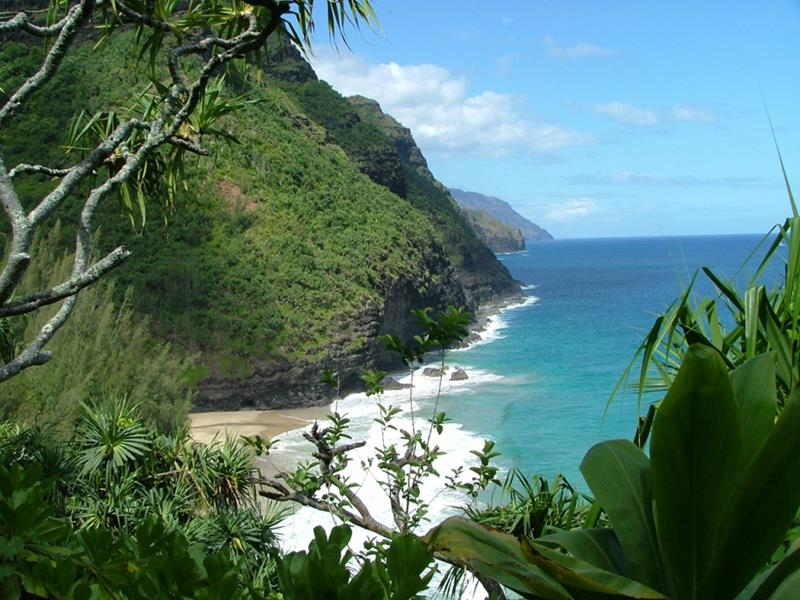 18 Breathtaking Pictures of the Kalalau Trail in Hawaii-14