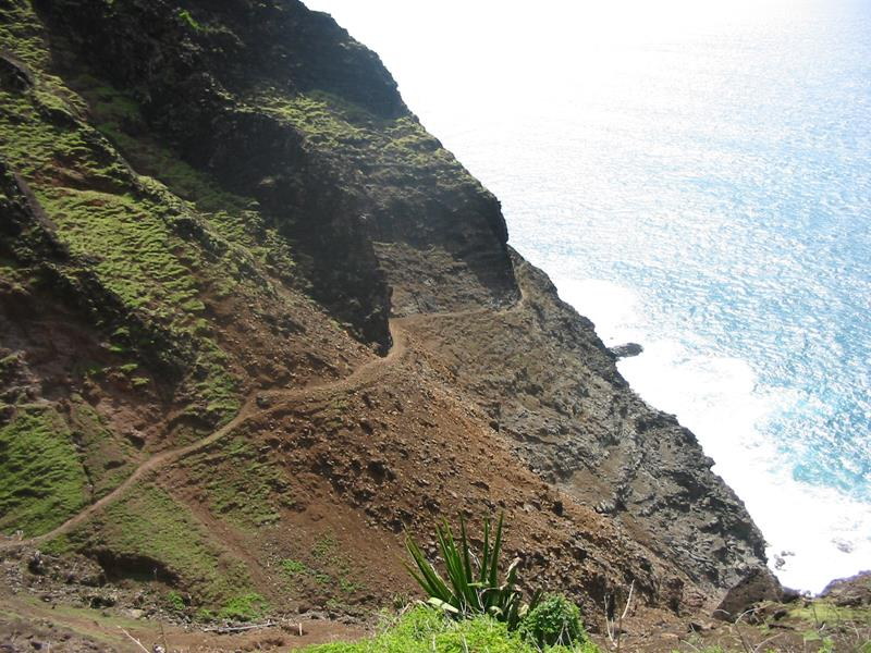 18 Breathtaking Pictures of the Kalalau Trail in Hawaii-2
