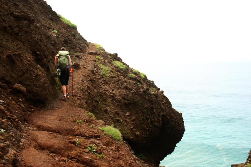 18 Breathtaking Pictures of the Kalalau Trail in Hawaii-6