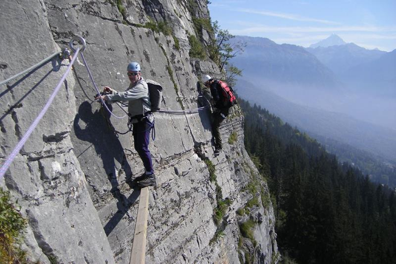 The 10 Scariest Hiking Trails In The Entire World-7a