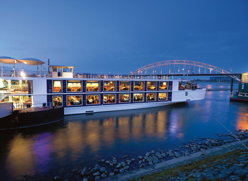 The 10 Best Cruise Ships For Honeymooners-3