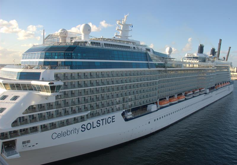 The 10 Best Cruise Ships For Honeymooners-9