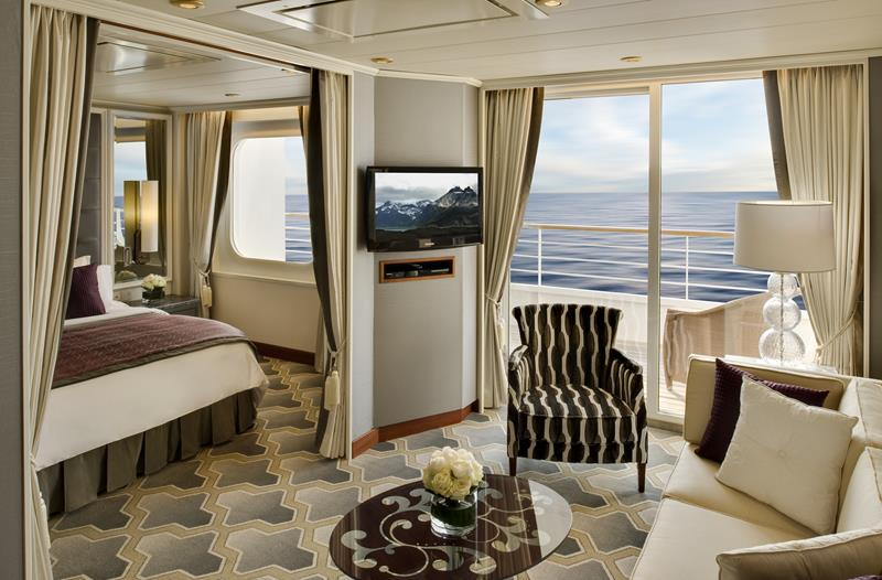 The 10 Best Luxury Cruise Ship Staterooms-10a