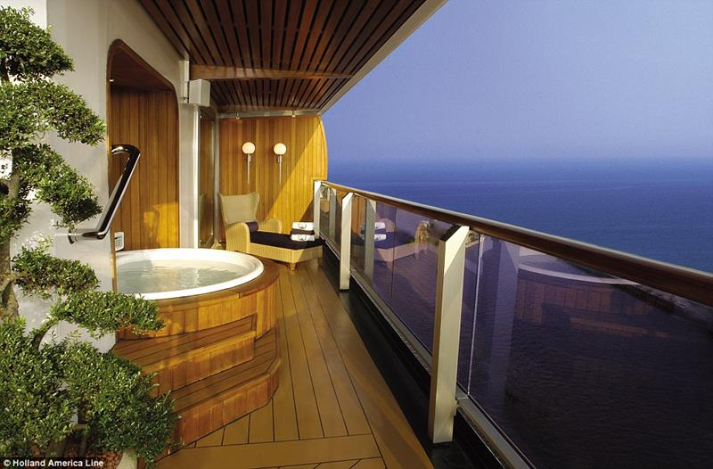 The 10 Best Luxury Cruise Ship Staterooms-1b