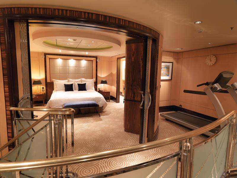 The 10 Best Luxury Cruise Ship Staterooms-2b