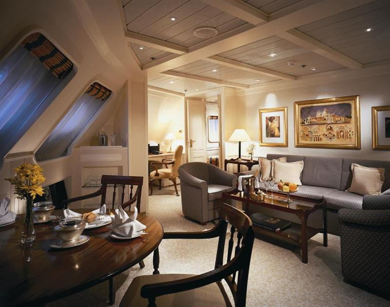 The 10 Best Luxury Cruise Ship Staterooms-5a