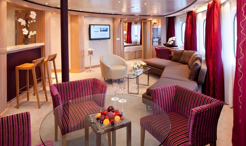 The 10 Best Luxury Cruise Ship Staterooms-8a