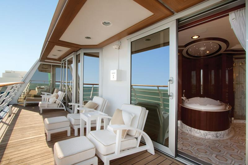 The 10 Best Luxury Cruise Ship Staterooms-9b