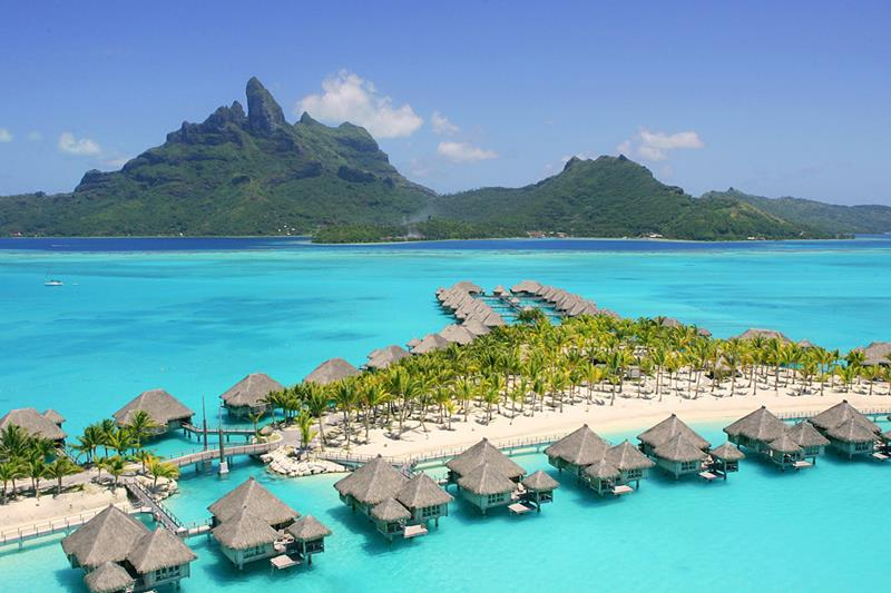 The 10 Best Overwater Bungalows In The World-5